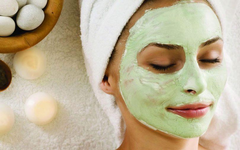 Как правильно наносить маску на лицо?