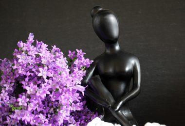Медитация: снимаем стресс без алкоголя