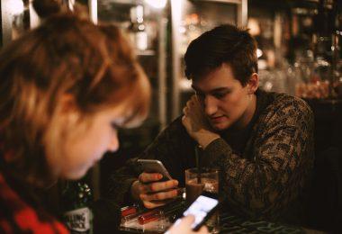 6 причин, почему СМС разрушают отношения