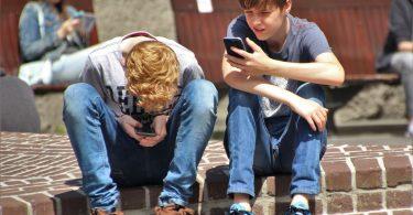 Памятка для родителей Какой смартфон купить ребенку